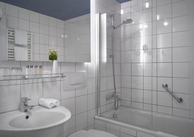 K+K Hotel Fenix Prag Badezimmer