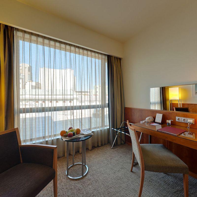 K+K Hotel Elisabeta, Bucharest Executive Guest Room Window and Desk View