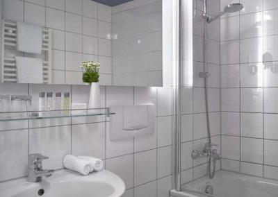 K+K Hotel Fenix, Prague Classic Room Bathroom