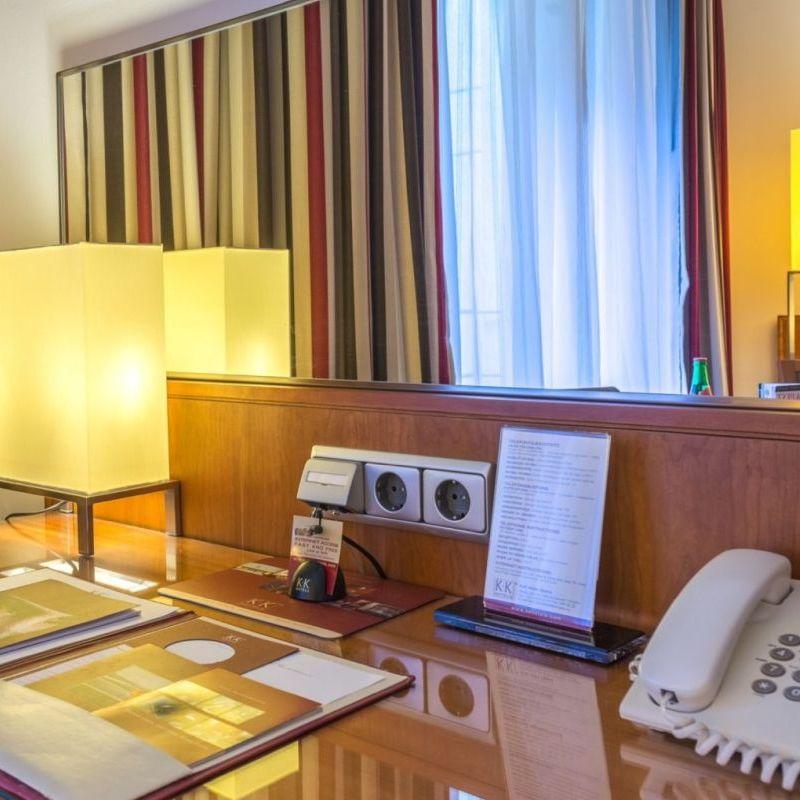 K+K Hotel Opera, Budapest Classic Room Deskview