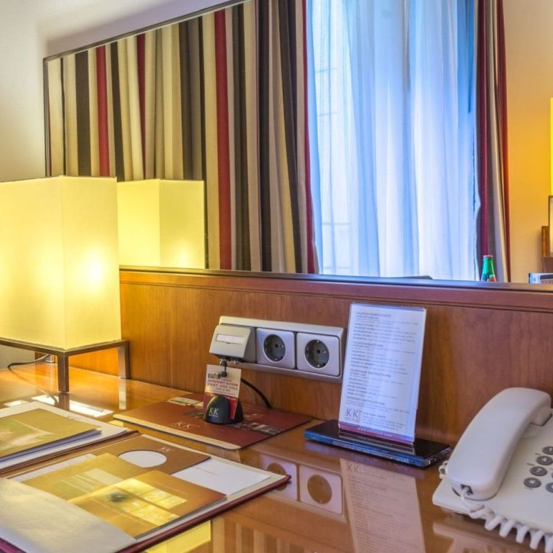 K+K Hotel Opera, Budapest Executive Room Deskview
